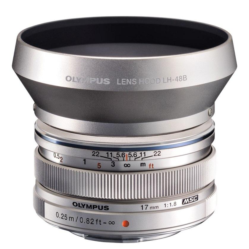 olympus_m.zuiko_digital_17mm_f1.8_silver_02_1024px