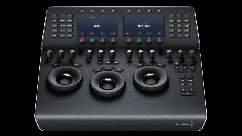 blackmagic_davinci_resolve_mini_panel_front_1920px
