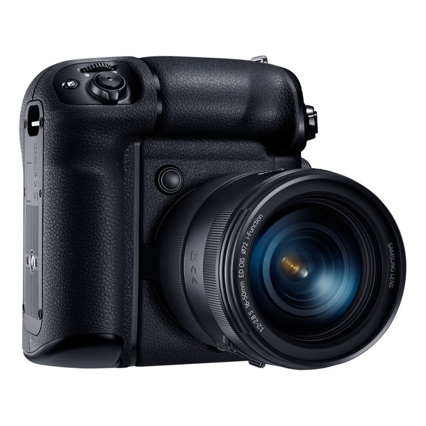 samsung_nx1_batterygrip_16-50mm_right_1024px_60%