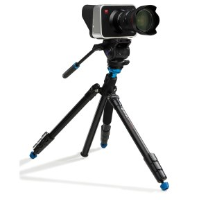benro_aero_4_video_travel_angel_tripod_kit_blackmagic_cinema_camera_01_1024px_60pc