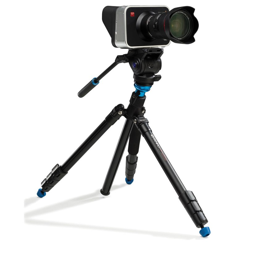 benro_aero_4_video_travel_angel_tripod_kit_blackmagic_cinema_camera_01_1024px_60pc