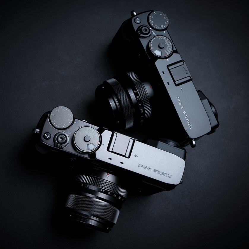 fujifilm_x-pro2_black_graphite_square_01_1024px_80pc