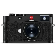 Leica M10 digital rangefinder camera with Leica Summilux-M 35mm f/1.4 Aspheric lens.