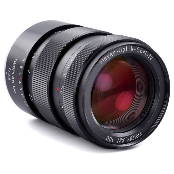 Meyer Optik Görlitz Trioplan 100mm f/2.8 lens