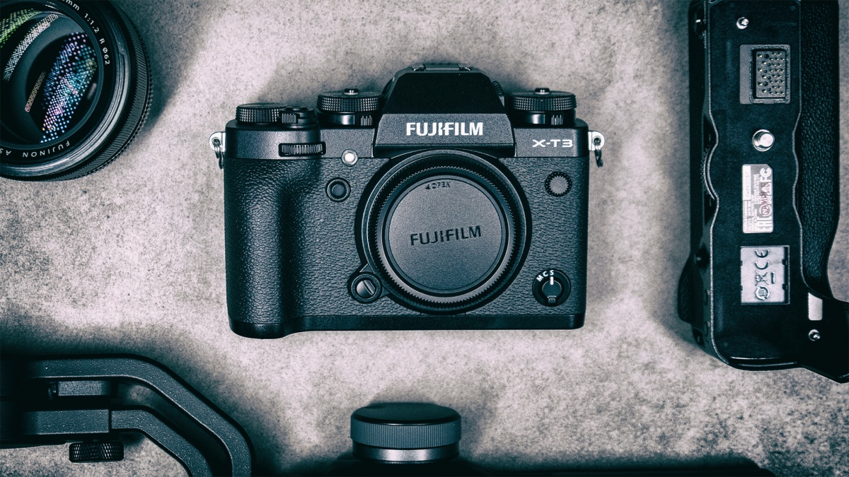 SmallRig Has Two Fujifilm X-T3 Cages in Pre-Order, One for the Camera with Battery Grip and One Without. First 100 Orders Get 30% Off.