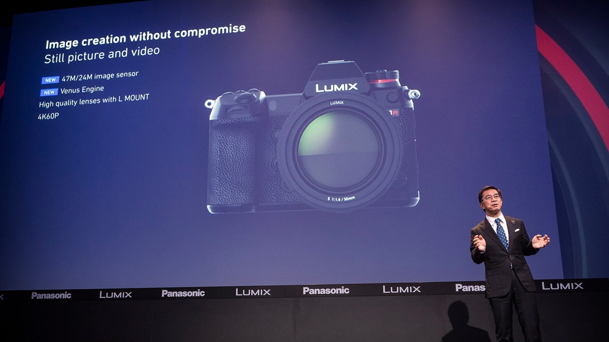 Panasonic Untitled Lumix Gh5 Body Lens Leica 12mm F 14 Asph Changeorg Petition To Give The S1 A Flip Out Fully Articulating Touch Lcd