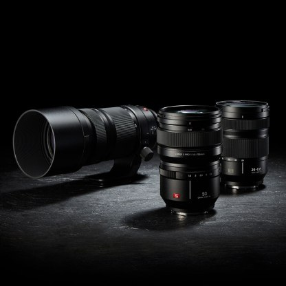 panasonic_lumix_s1_s1r_three_lenses_1024px