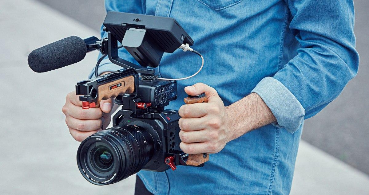 DPReviewTV: Panasonic BGH1 Hands-on Review: Panasonic's new box camera –videos