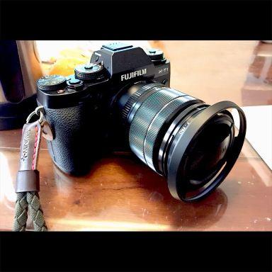 fujifilm_x-t1_fujinon_xf18-55mmf2.8-4.0_rjcameras_ventedlenshood_01_1024px